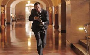 Channing-Tatum-appears-quite-adept-gliding-down-hallways